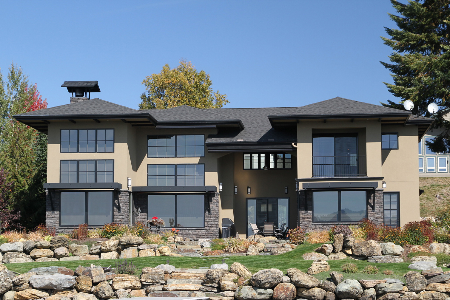 Sandpoint Builders, Inc. builds custom dream homes in North Idaho background image.