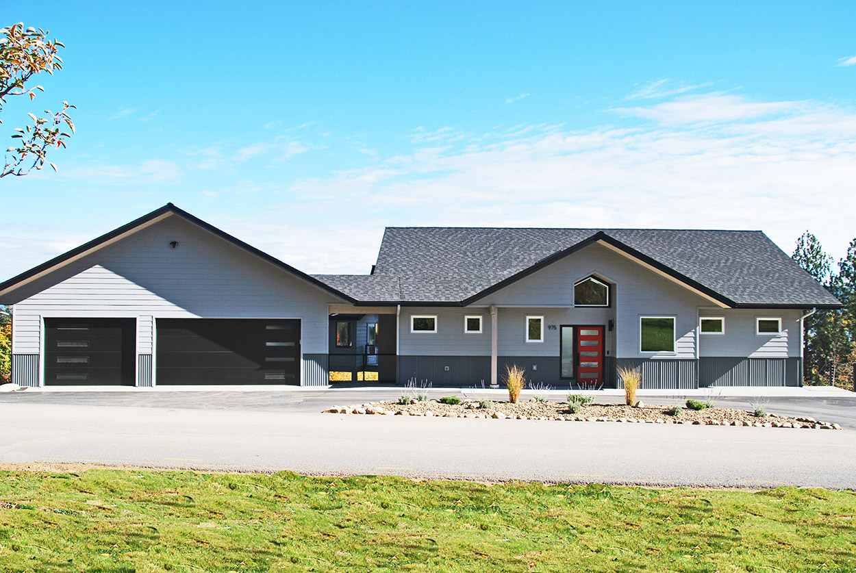 Custom Home by Sandpoint Builders in North Idaho, exterior image