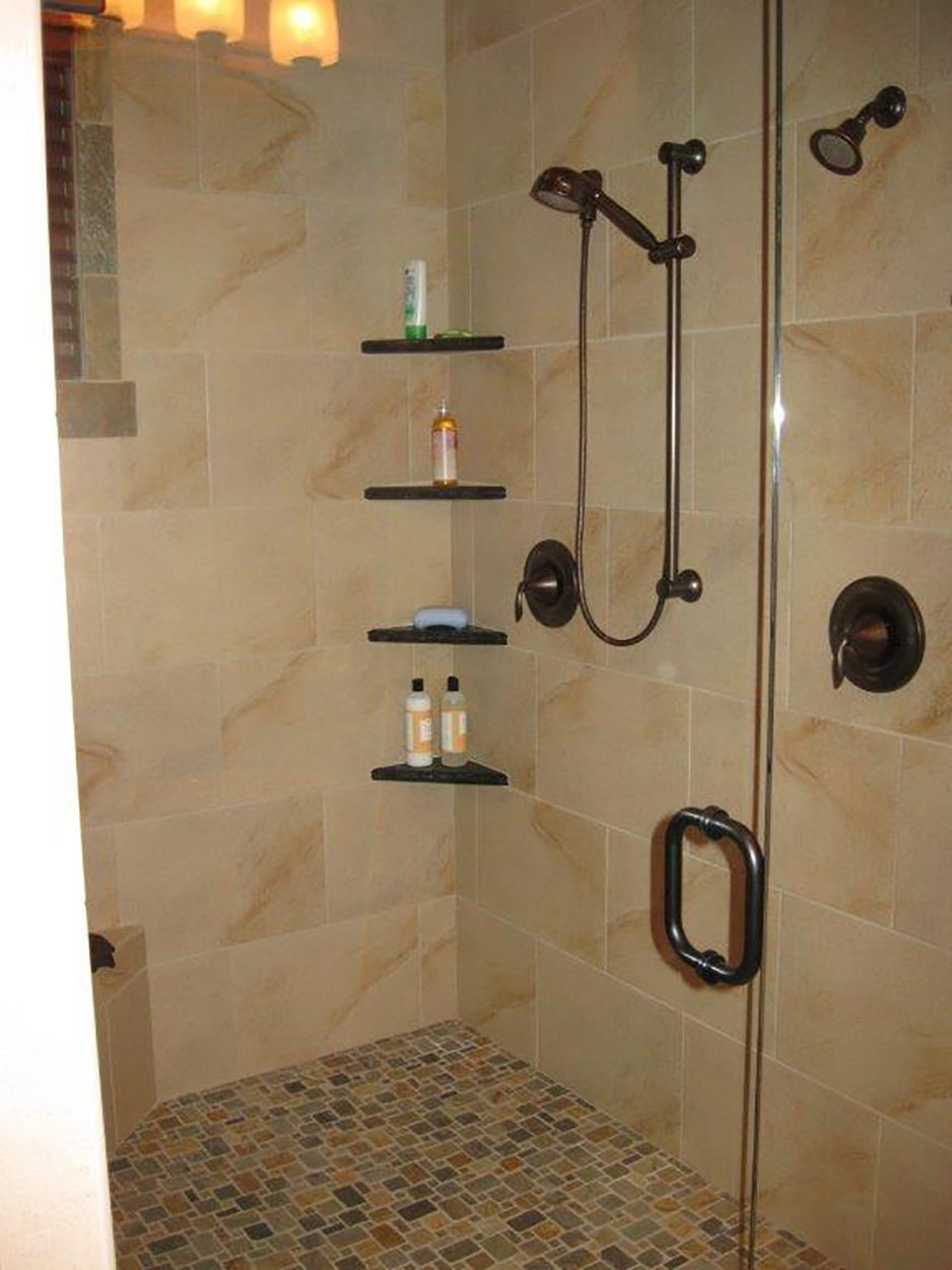 Custom home by Sandpoint Builders in North Idaho, custom built tiled shower