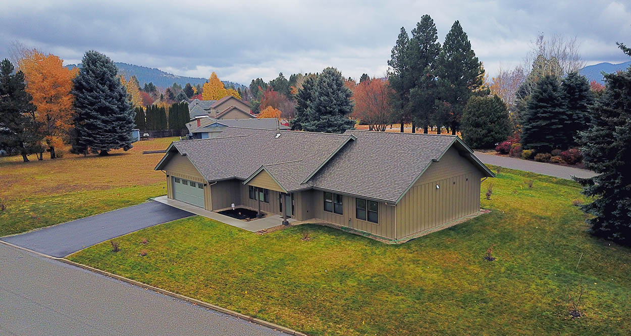 Custom luxury home designed and built by Sandpoint Builders in North Idaho